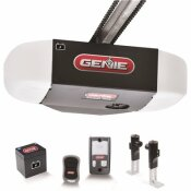 GENIE CHAINMAX 1/2 HPC DURABLE CHAIN DRIVE GARAGE DOOR OPENER WITH BATTERY BACKUP